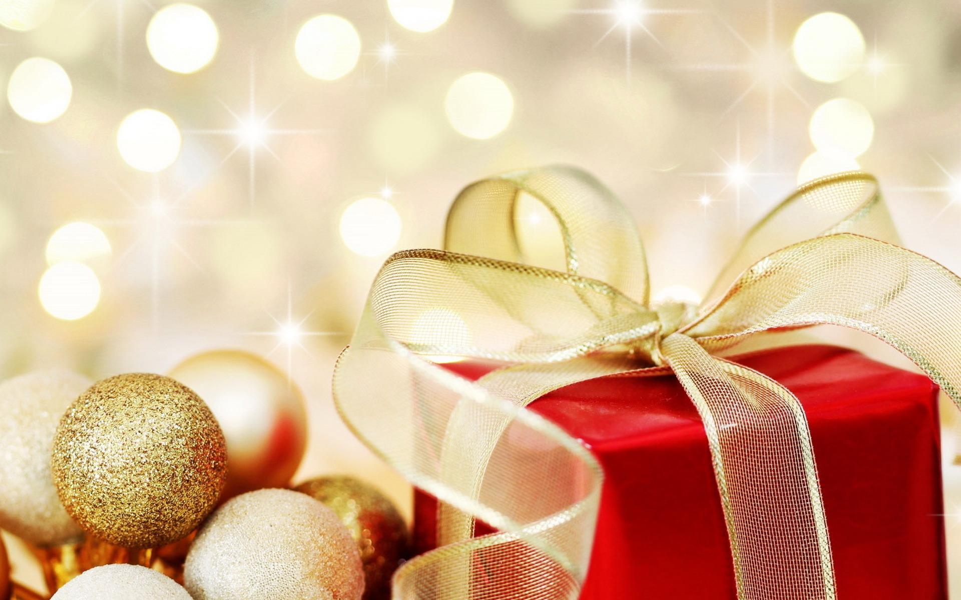 Новогодние сюрпризы для юных новополочан