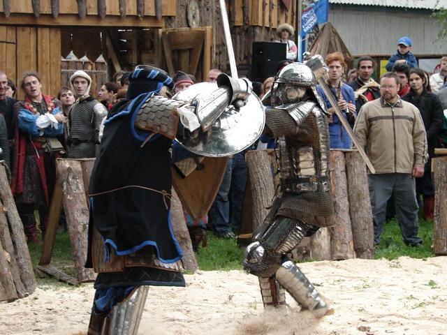 В Полоцком университете устроили рыцарский турнир