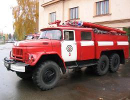 Сотрудники МЧС спасают жизнь виновнику пожара