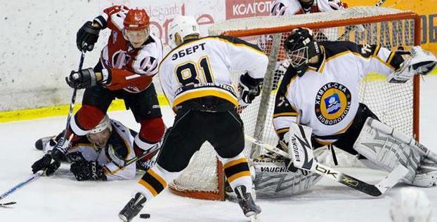 Новополоцкие хоккеисты сразили могилевчан - 5:2
