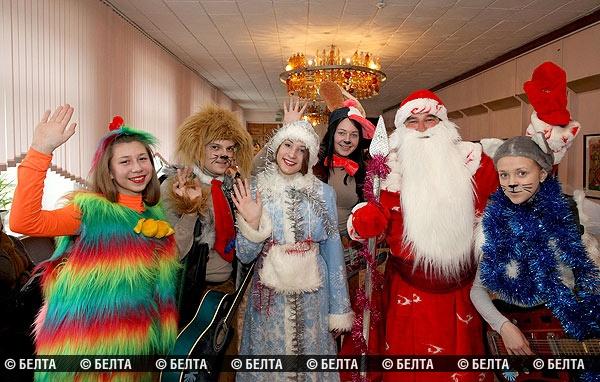 Полоцкие Дед Мороз и Снегурочка в числе победителей конкурса «Елка-фэст-201 ...