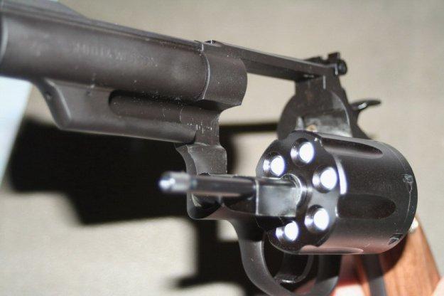 У жителя Полоцка изъяли самодельный револьвер