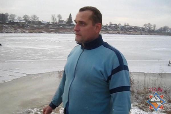 Полочанин спас парня провалившегося под лед