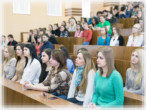 Советник председателя экономического суда встретился с полоцкими студентами