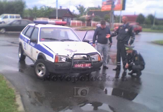 В Полоцке произошло столкновение Опеля и автомобиля ГАИ