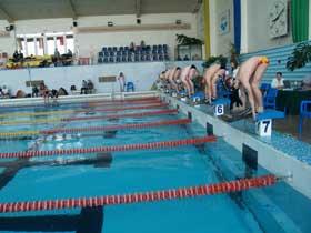 Юные пловцы СДЮШР привезли победные медали майских соревнований