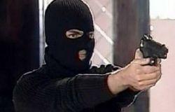 В Смолевичском районе двое в масках и с пистолетом ограбили магазин