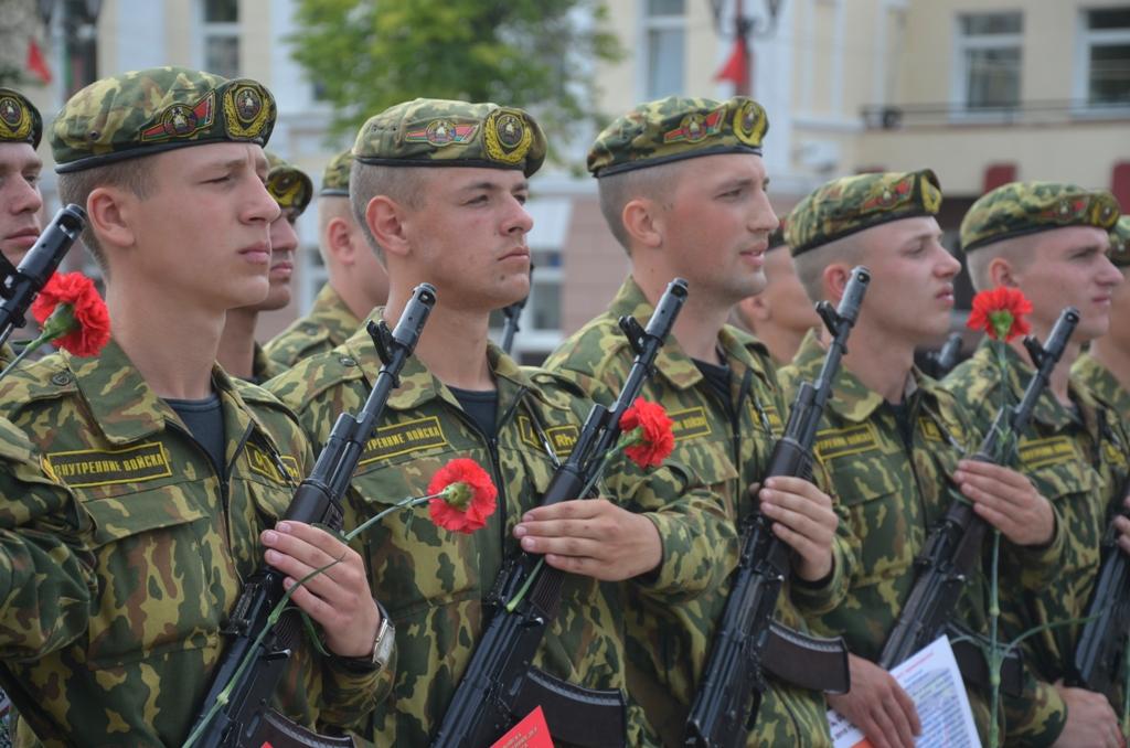 Военная присяга на главной площади Полоцка