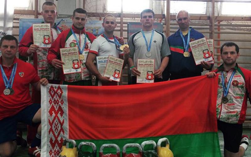 У студента ПГУ гиревика Александра Косниковского серебряная медаль Чемпиона ...