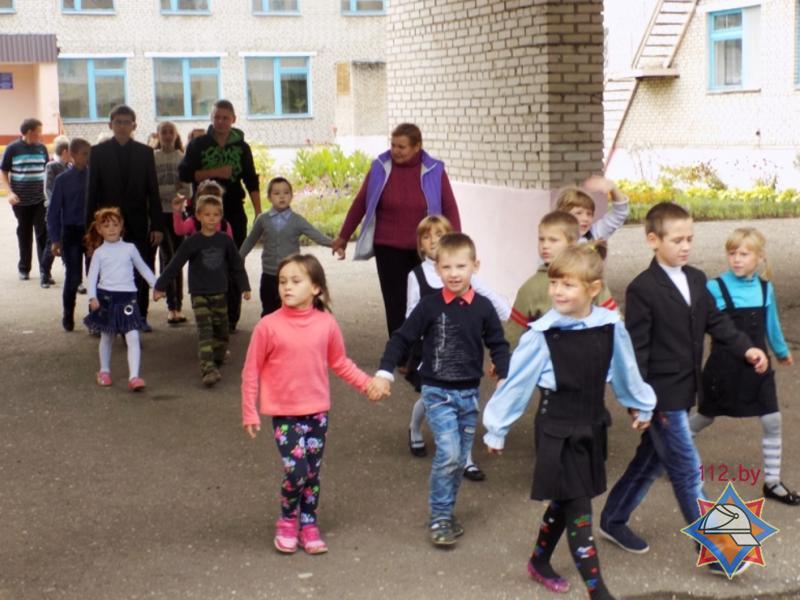 Спасатели провели «День безопасности» для учеников Полоцкой школы