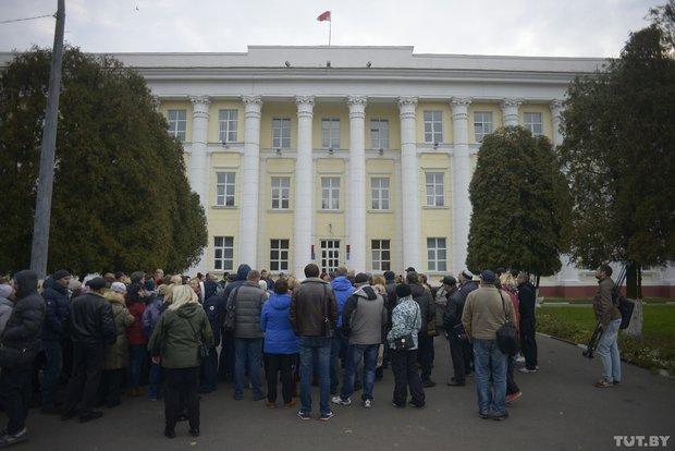 В Полоцке продолжают бастовать предприниматели. Переговоры прошли без резул ...