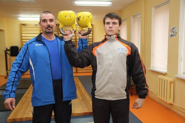 Гиревик Александр Косниковский привез домой две золотые медали