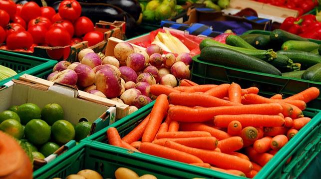 В хранилища Полоцкого района заложено достаточное количество плодоовощной п ...