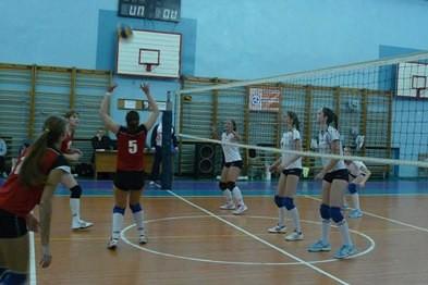 Новополоцкие волейболистки продолжили победную серию игр