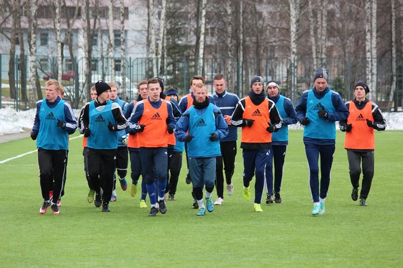 С начала февраля команда ФК«Нафтан» приступила к тренировкам. В субботу сос ...
