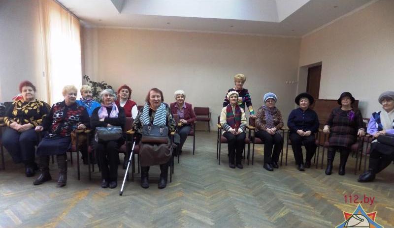 МЧС встретилось с представителями старшего поколения полочан