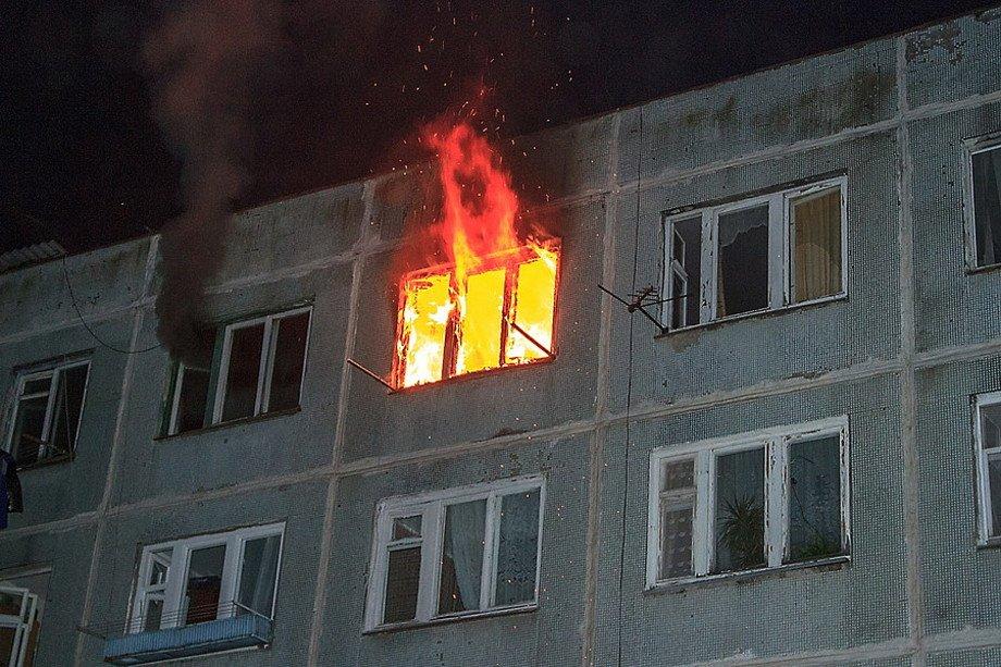 В Полоцке и Новополоцке горел автомобиль и квартира