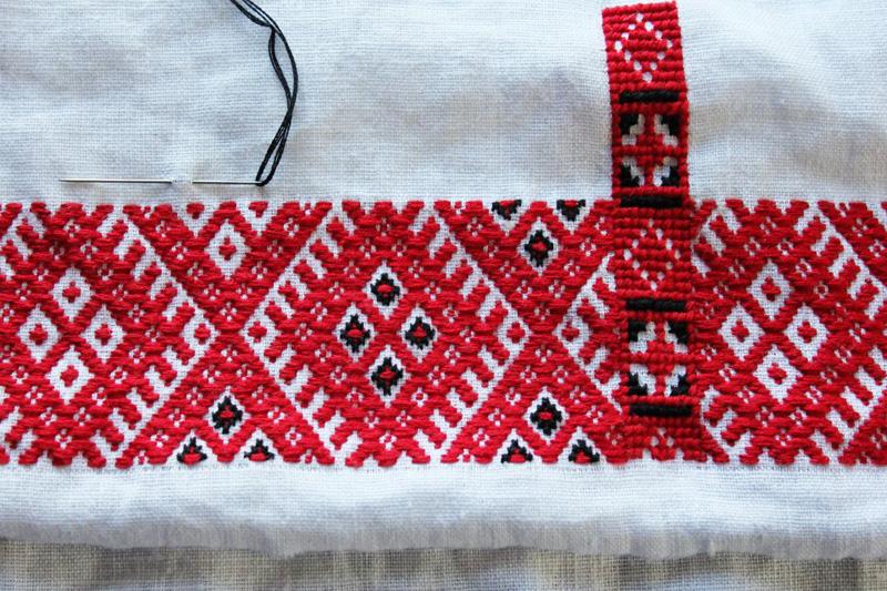 02 июля новополоцкие новорожденные получат сувениры посвященные «Дню вышиванки»
