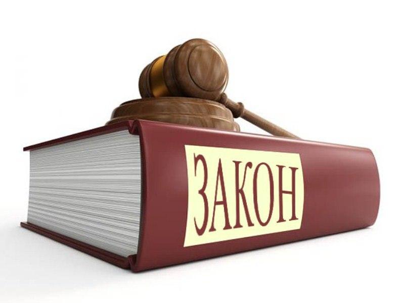 Ночью в Новополоцке хулиганы поломали остановку и торговую палатку