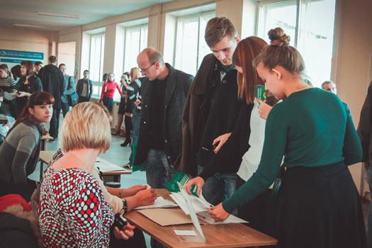Лукашенко — о трудоустройстве всех до 1 мая: люди должны сами искать работу, но государство поможет