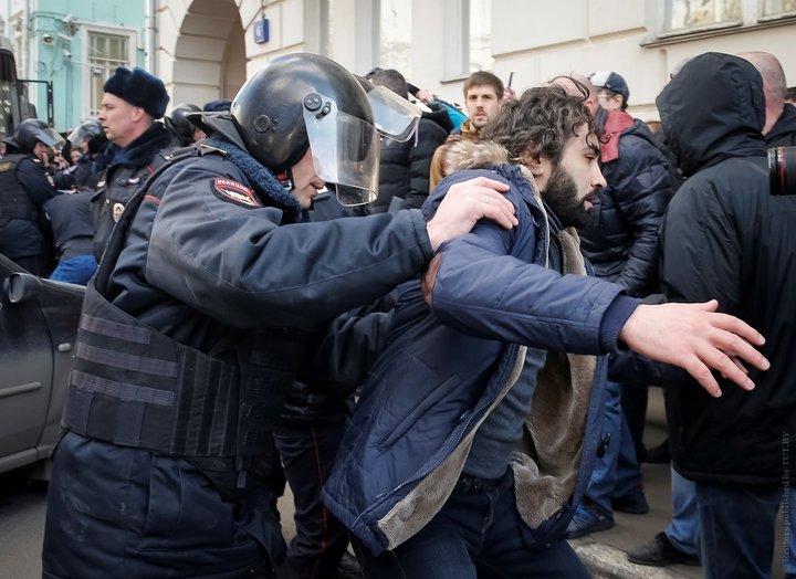 По всей России прошли массовые акции протеста