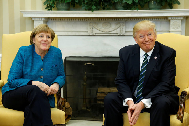 СМИ узнали о врученном Трампом Меркель счете на 300 миллиардов за услуги НА ...