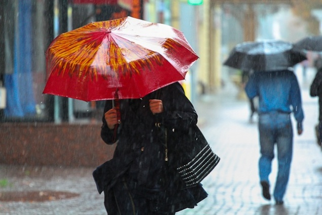 Всю неделю будет неустойчивая погода с дождями и мокрым снегом, но к выходным потеплеет
