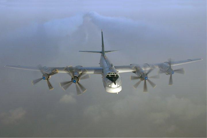 Пентагон прокомментировал серию полетов российских Ту-95 у Аляски