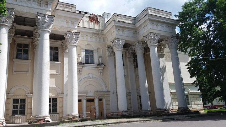 В центре Полоцка рушатся памятники архитектуры, а городские власти бездействуют